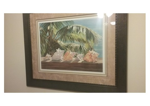 PRINT OF SHELLS & PALM LEAVES